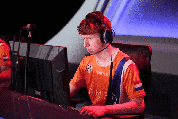 Brussen at his PC competing in a game of Overwatch.